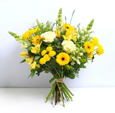 Lemon Sizzle is a colourful flower bouquet that attracts all the people you loved. This flower bouquet gives an exciting feeling to every person around us.