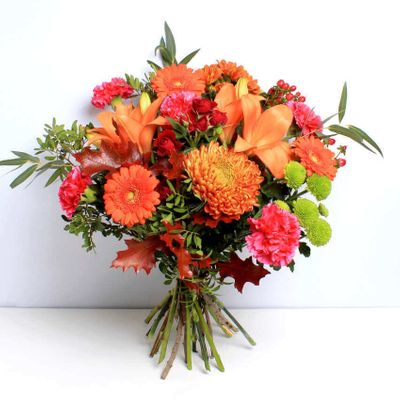 Autumn Splendour is an arrangement of seasonal flowers that makes the perfect gift. These ethical and sustainable flowers are hand cut by a local florist for maximium freshness.