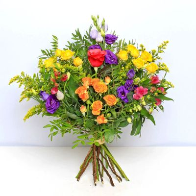 Vibrant Luminosa is a brilliant bouquet that gives sparkling in our life and will make your day more wonderful.